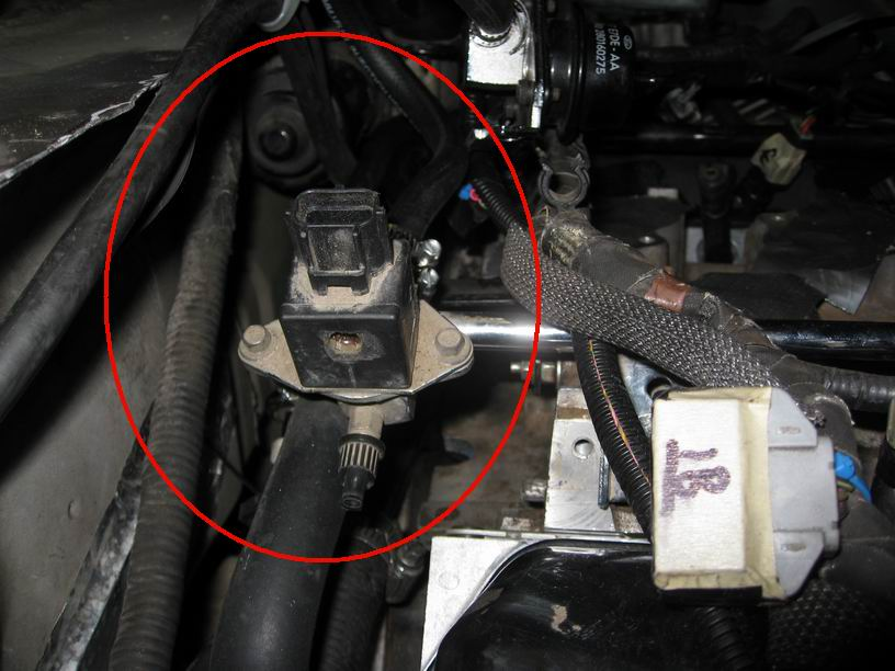 2004 ford explorer 4 0 fuel rail pressure sensor location